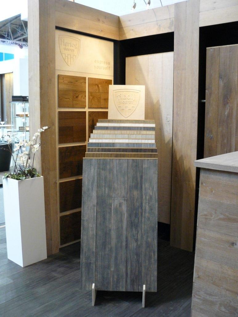 hertog holzb den uhl city of innovative living. Black Bedroom Furniture Sets. Home Design Ideas